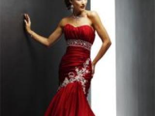 Цветное платье для свадьбы: смелое решение раскрыть себя
