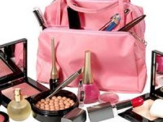 На что следует обратить внимание при покупке косметики через интернет