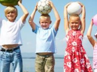 Во что могут поиграть дети на природе?