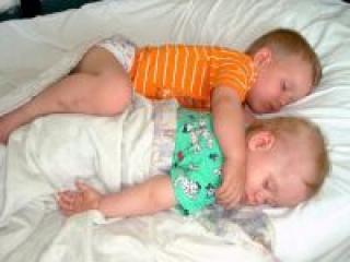 Как научить малыша спать без мамы