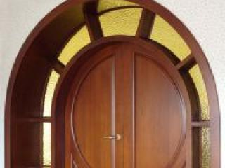 Красивые врата в квартиру