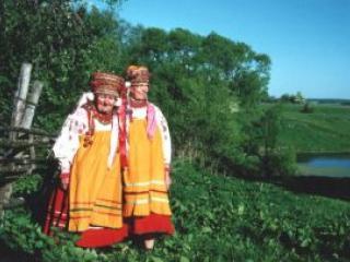 Народные костюмы – в деревнях еще носят