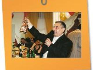 Армянский тамада - гость национальной свадьбы